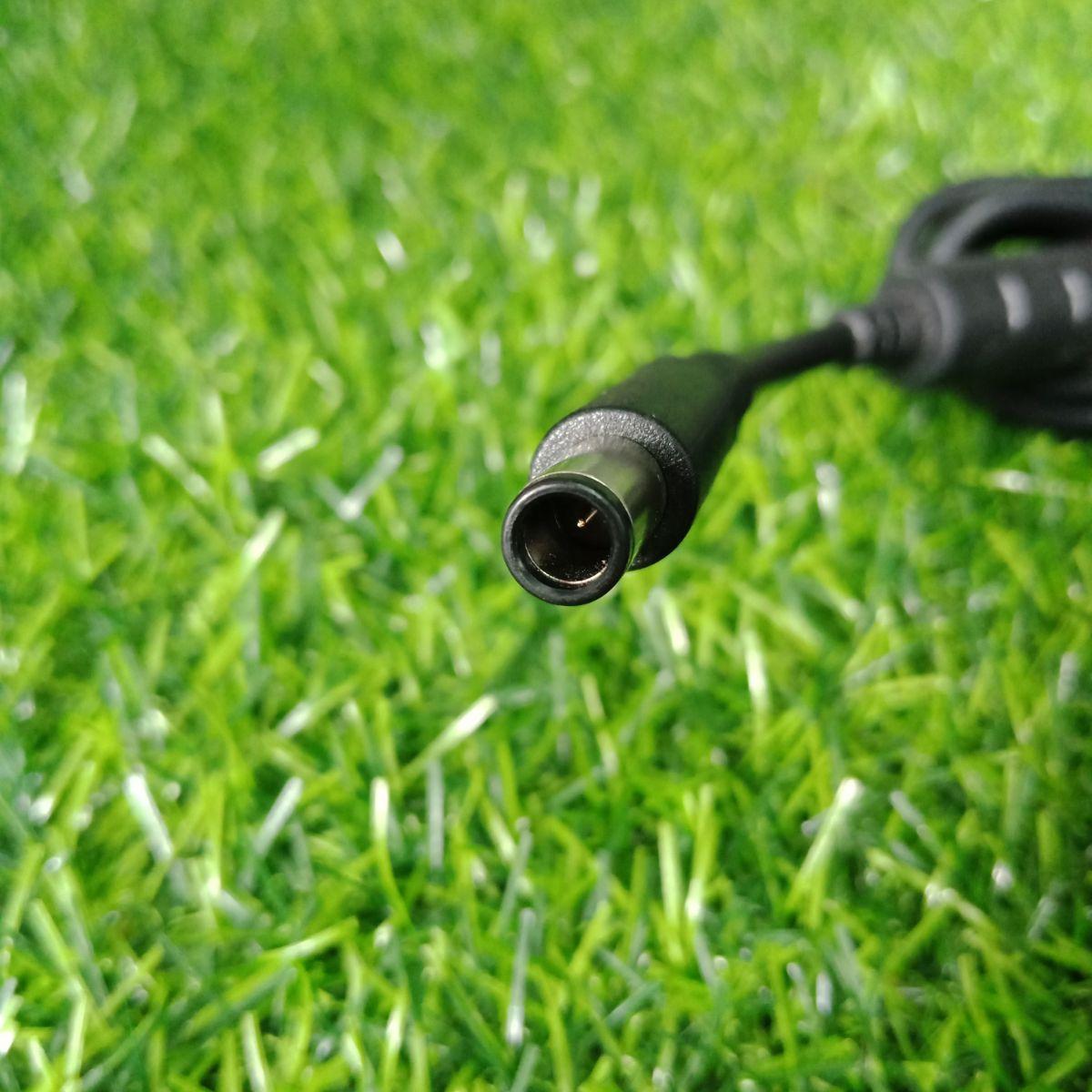 Thông số: Điện áp vào : AC 100V - 240V ~ 1.5A (1.5A) 50 - 60Hz Điện áp ra : DC 19.5V 9.23A 180W Chuẩn chân kết nối : 7.4mm*5.0mm Bảo vệ quá tải : 115% -135% , tự động phục hồi