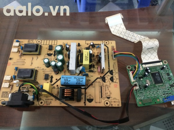 Bo nguồn và tín hiệu HP L1710