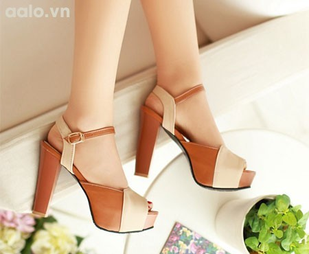 Giày cao gót da bò phối kem